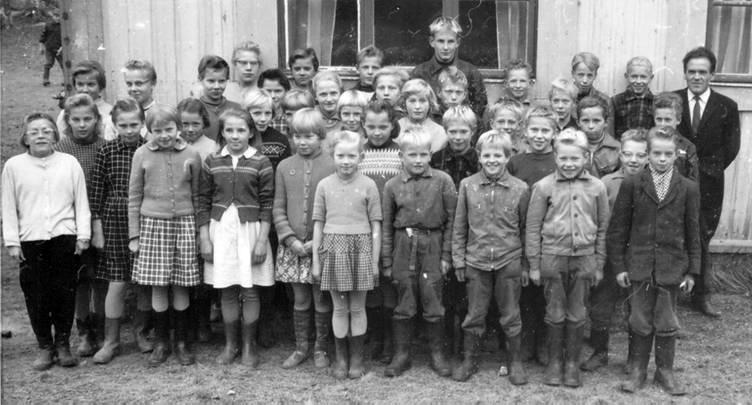 Kolkun koulun luokkakuva 1959-1960