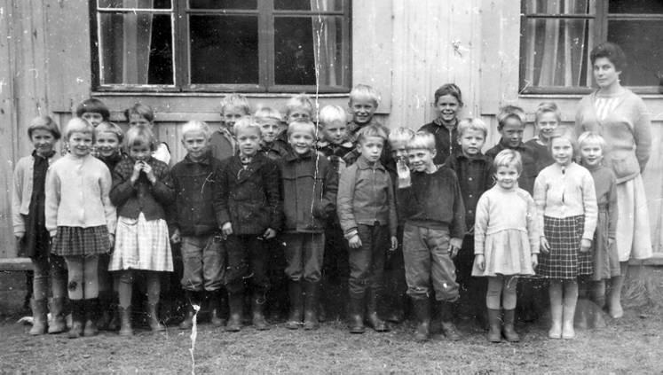 Kolkun koulun luokkakuva 1960-1961