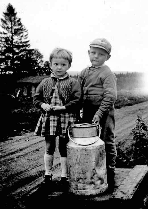 Marja-Leena ja Jukka Paananen maidonlähettäjinä