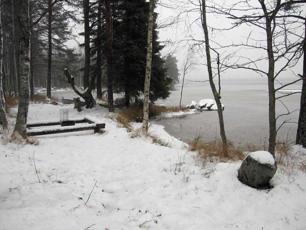 Uusi uimapaikka Kolkkujoen tammen vieressä