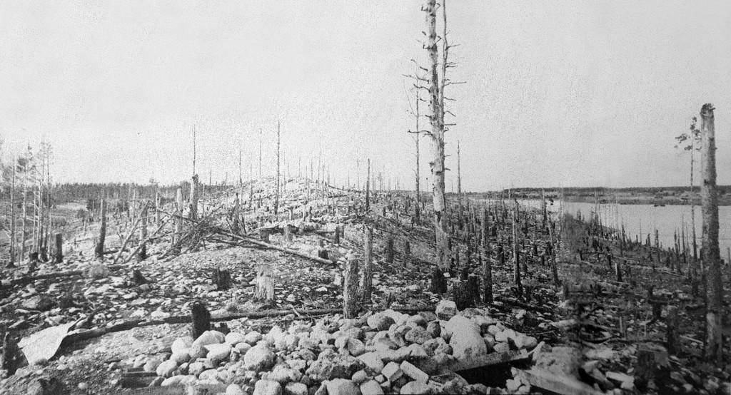 Näkymä länteen Äyräpään kirkon raunioilta heinäkuussa 1944