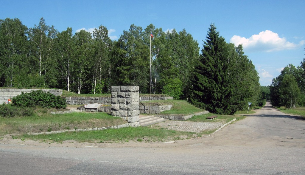 Tali-Ihantalan taistelujen venäläinen muistomerkki ja tie Taliin