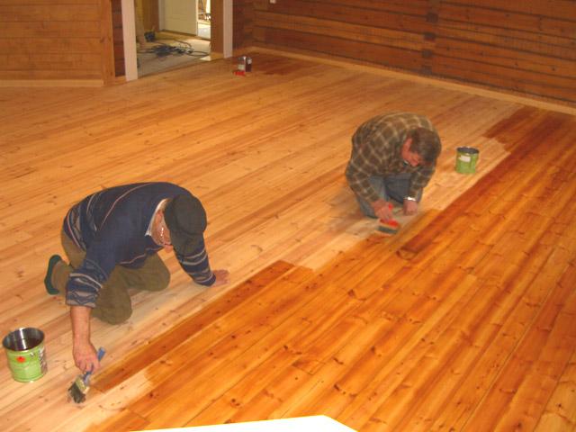 162Salin lattian puuöljykäsittely