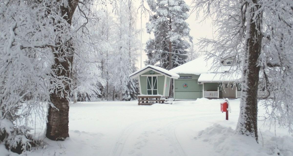 Talvinen kuva Kylätalosta (27.12.2014)